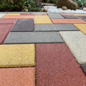 Как сохранить поверхность тротуарной плитки на долгие годы? 5 рекомендаций!