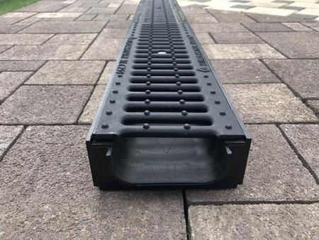 Лоток водоотводный пластиковый ЛВ - 10.14,5.06 в сборе с решетками и крепежами