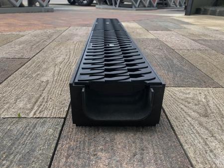 Лоток водоотводный пластиковый ЛВ - 10.14,5.08 в сборе с решетками и крепежами